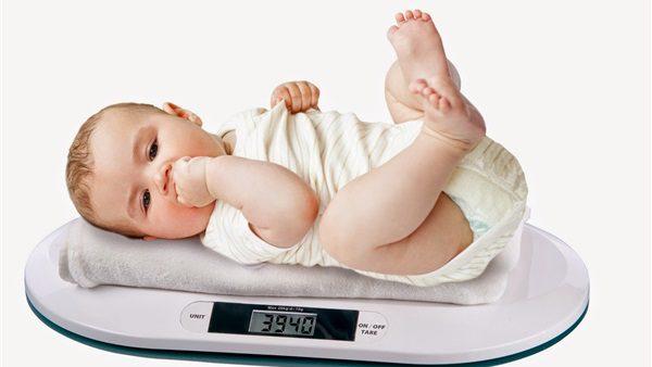 حساب الوزن المثالي للأطفال