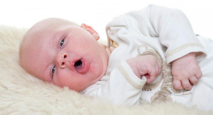 علاج الكحة للأطفال الرضع