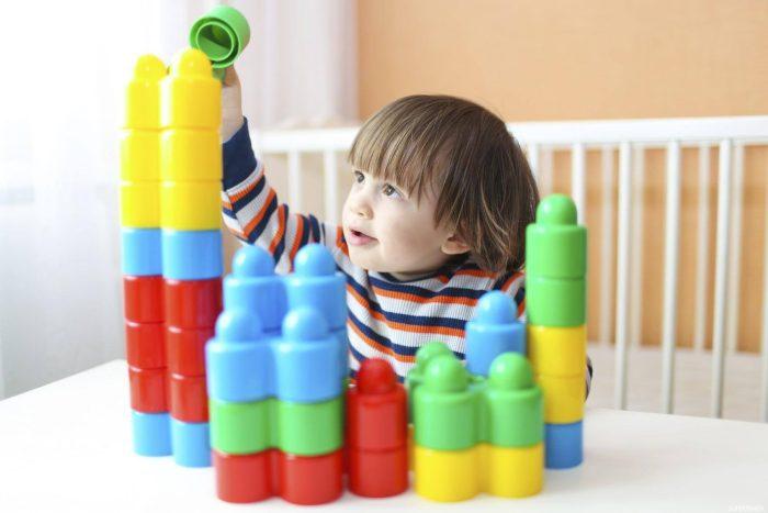 أنشطة للأطفال عمر سنتين