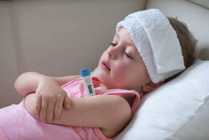 ارتفاع الحرارة عند الأطفال مع برودة الأطراف