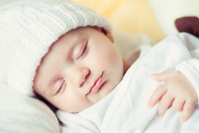 الأطفال حديثي الولادة والنوم