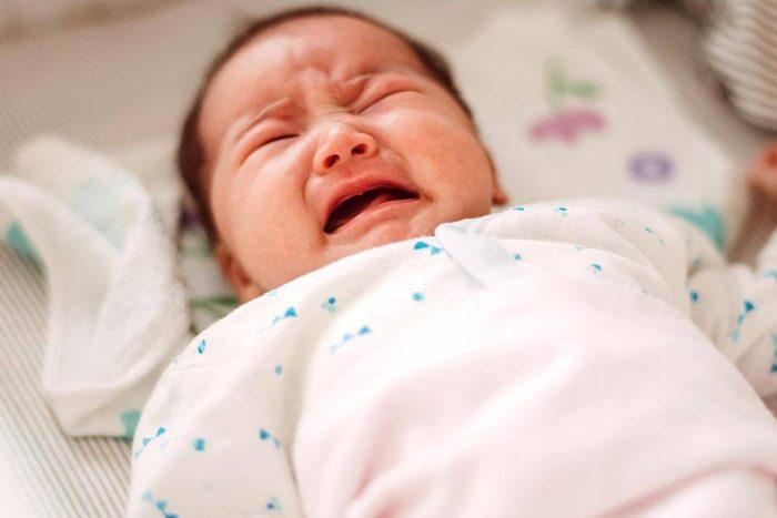 الضوء للطفل حديث الولادة