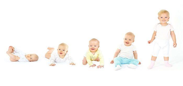 تطور الطفل الرضيع بالأسابيع