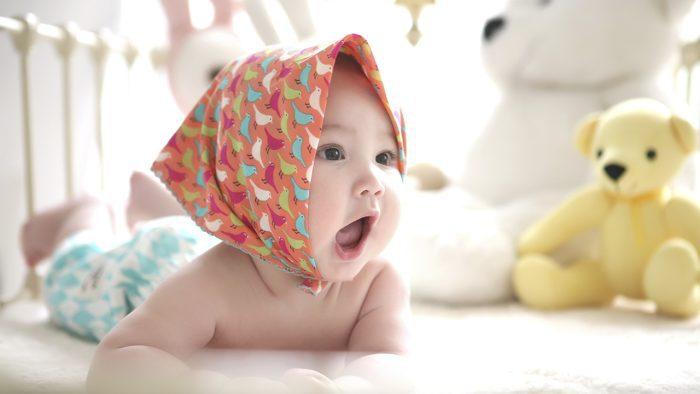 تعليم الأطفال النطق بابا وماما