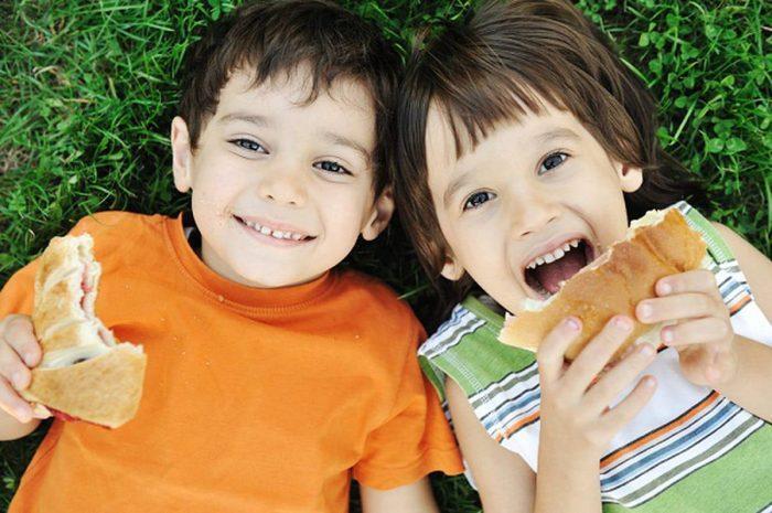 تغذية الأطفال في سن المدرسة