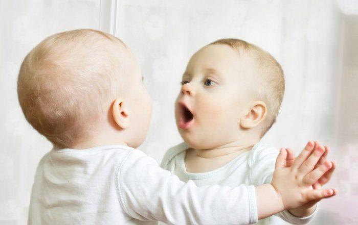 تمارين تساعد الطفل على الكلام