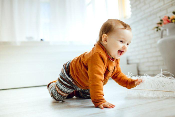 حركات الطفل في الشهر السادس من عمره