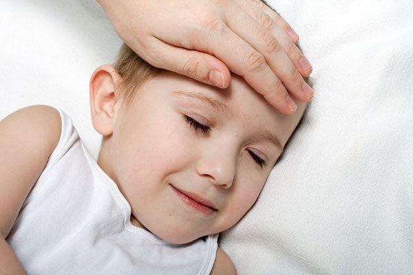 سخونة الأطفال بعد التطعيم شهرين
