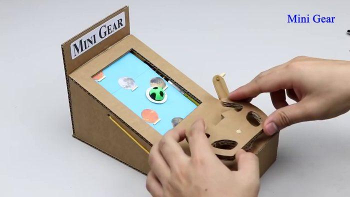 صنع هاتف محمول من الورق المقوى