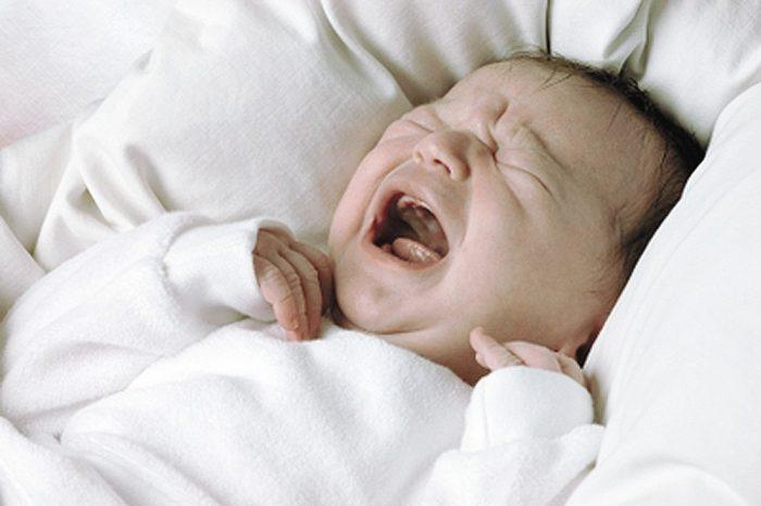 طرق التخلص من البكاء عند الرضع