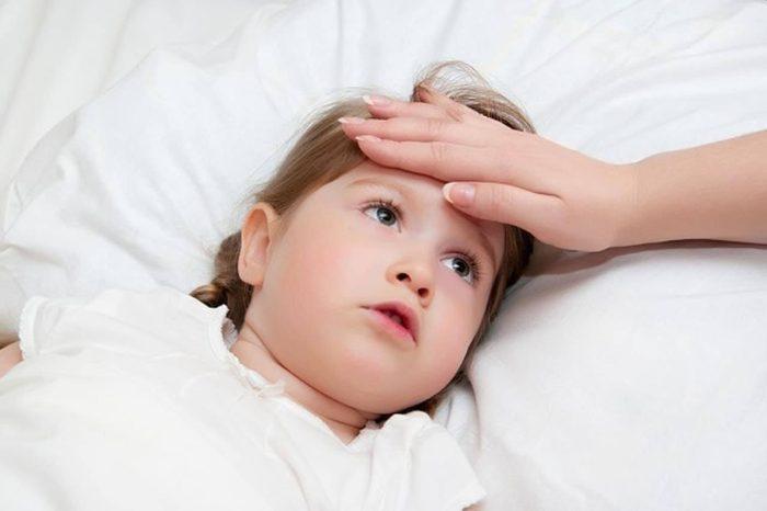 علاج الحمى عند الأطفال بالبصل