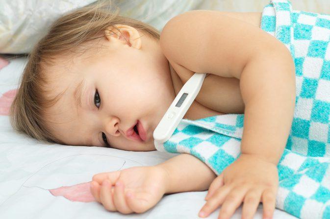 علاج الحمى عند الأطفال بالليمون