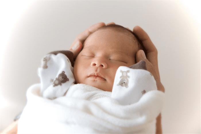 علامات الطفل السليم حديث الولادة