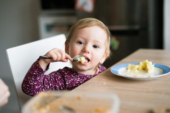 غذاء الطفل في عمر 13 شهر