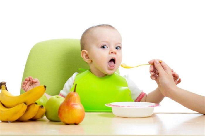 ماذا يأكل الرضيع في الشهر الرابع