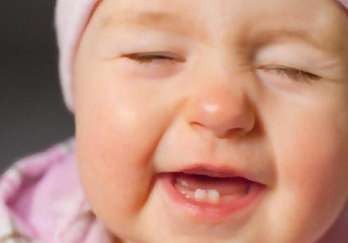 متى يبدأ الطفل التسنين