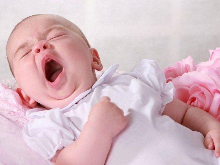 متى ينتهي بكاء الطفل الرضيع