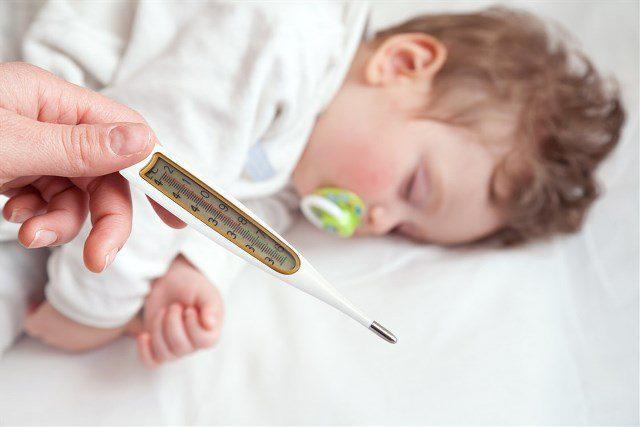 درجة حرارة الطفل الطبيعية بعد التطعيم