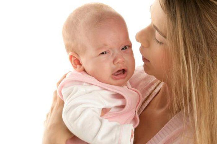 صراخ الطفل في الشهر الخامس