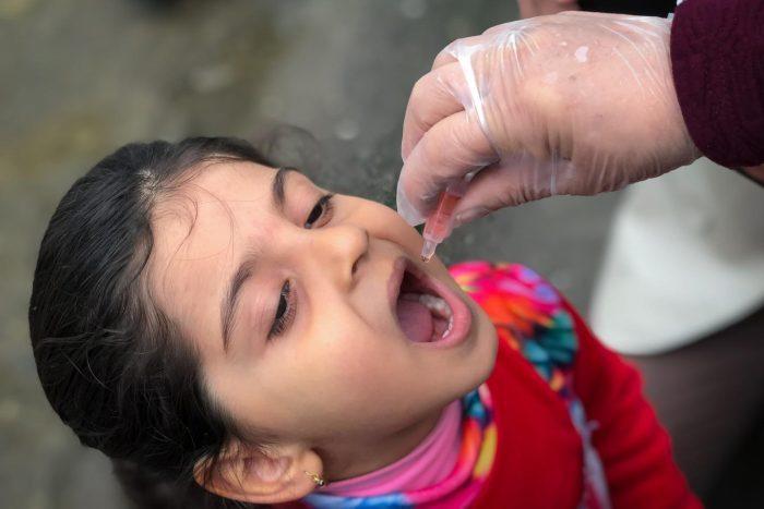 كم المدة بين التطعيمات