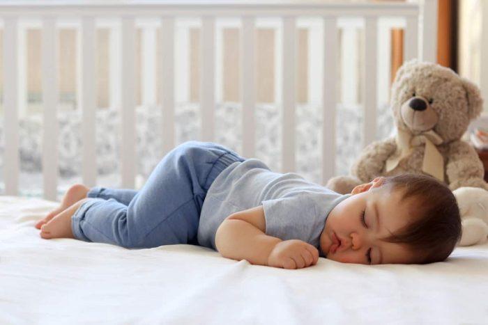 طفلي لا ينام ويبكي كثيرا