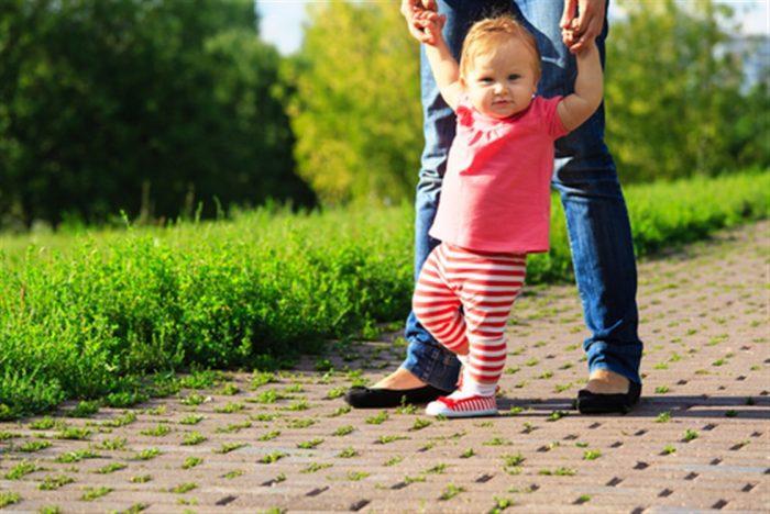 مشي الطفل غير طبيعي