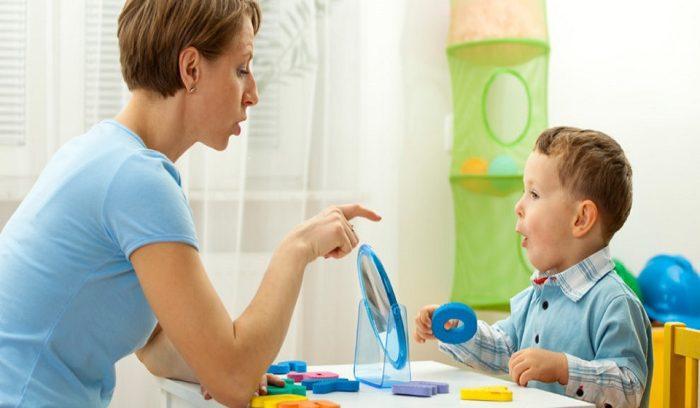 آيات قرآنية تجعل الطفل يتكلم