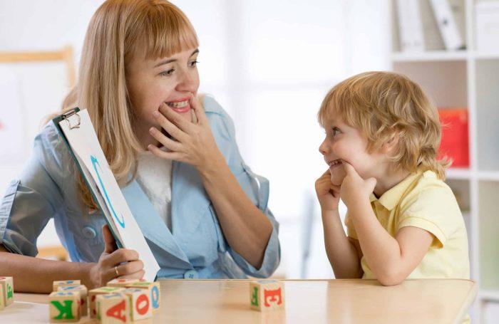 تأخر الكلام عند الأطفال الذكور