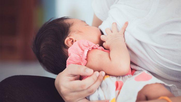 تجارب ناجحة في إعادة الرضاعة وزيادة اللبن