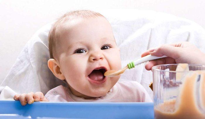 طريقة تحضير طعام الطفل في الشهر الخامس