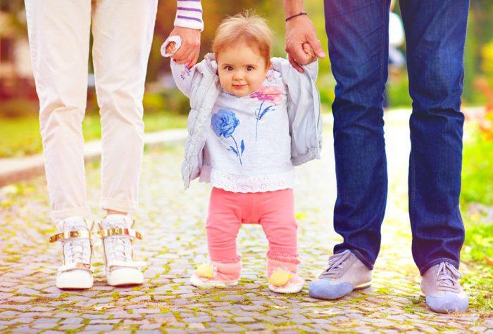 طريقة تخلي الطفل يمشي بسرعة