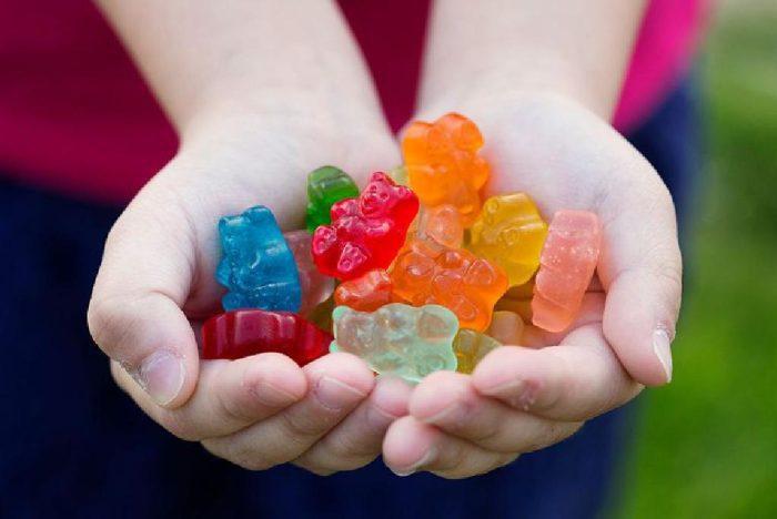 فيتامينات للأطفال على شكل حلوى
