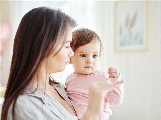 سبب نهجان الطفل أثناء الرضاعه