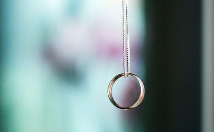 هل طريقة الخاتم لمعرفة نوع الجنين صحيحة؟