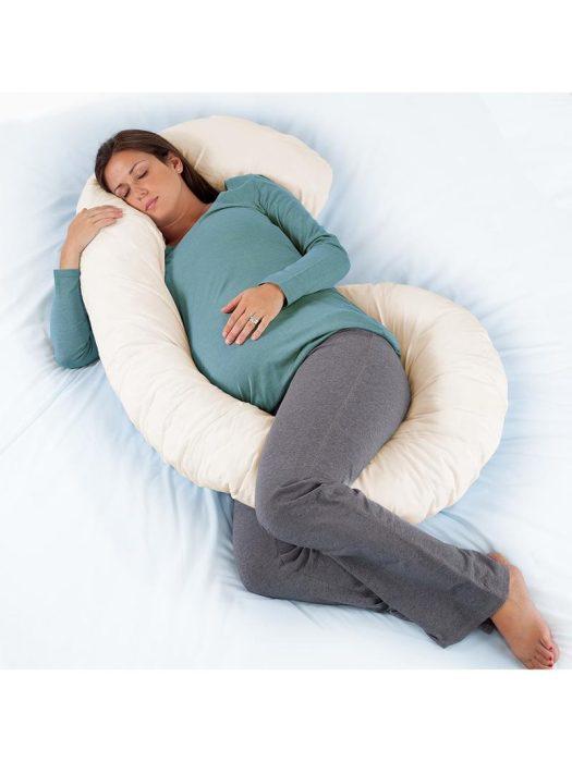 هل كثرة نوم الحامل يضر الجنين؟