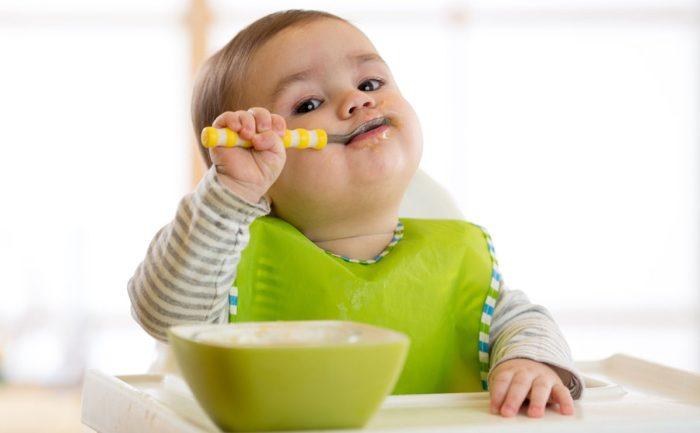وجبات الرضيع في الشهر الرابع