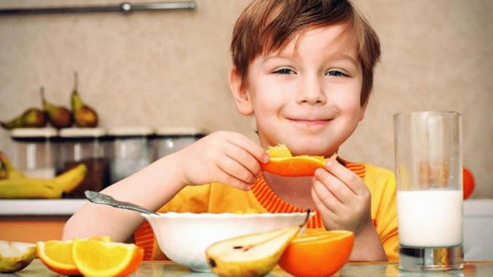 متى تعطى الفيتامينات للطفل؟
