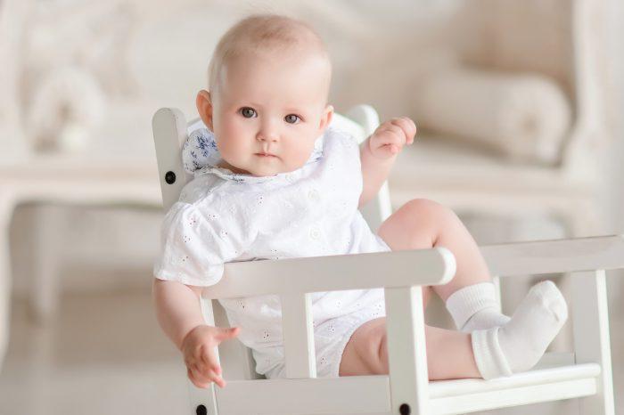 الحركات الغريبة عند الرضع