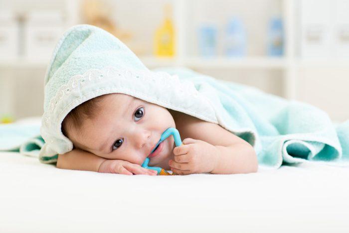 نصائح للعناية بأسنان الطفل في مرحلة النمو