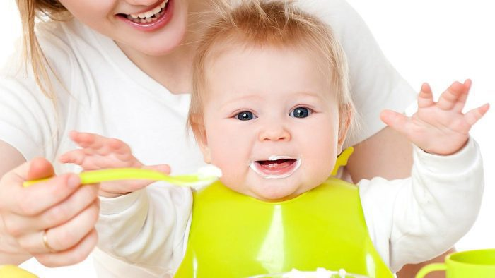 تغذية الرضيع في الشهر الخامس