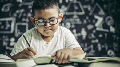 علامات ذكاء الطفل بعمر ثلاث سنوات