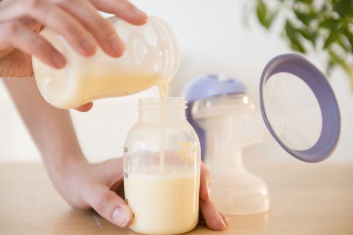 علامات الجوع عند الطفل في الشهر الثالث