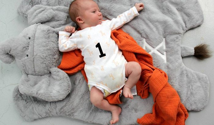وزن الرضيع في الشهر الأول