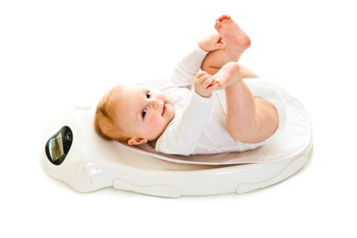 عادات خاطئة تؤثر على وزن الطفل