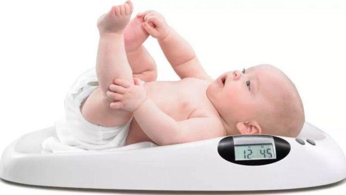 وزن الطفل في الشهر الثاني