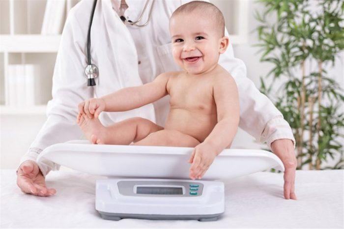 وزن الطفل في عمر 4 شهور