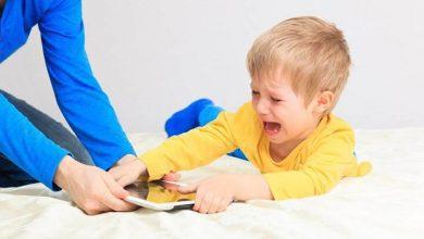 طرق التعامل مع الطفل العنيد كثير البكاء