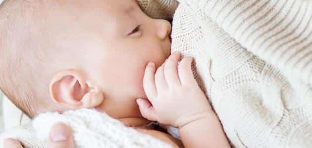 علاج تكتل الحليب في الثدي بعد الفطام
