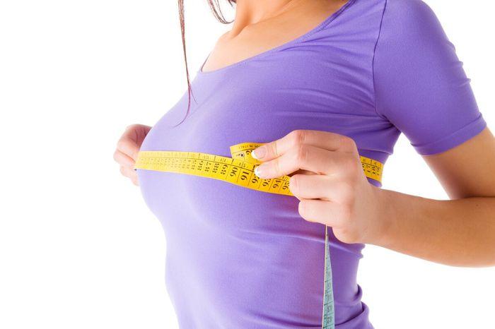 أسباب زيادة حجم الثدي المفاجئ